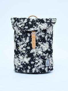 Černý dámský vzorovaný batoh The Pack Society