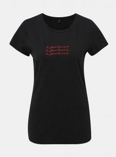 Černé tričko s potiskem ONLY Madelyn