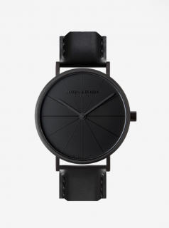 Černé unisex hodinky s černým koženým páskem a ciferníkem LARSEN & ERIKSEN 41 mm