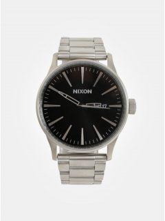 Pánské hodinky s nerezovým páskem ve stříbrné barvě NIXON d502568162