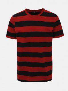 Červeno-černé pruhované basic tričko Jack & Jones Logan